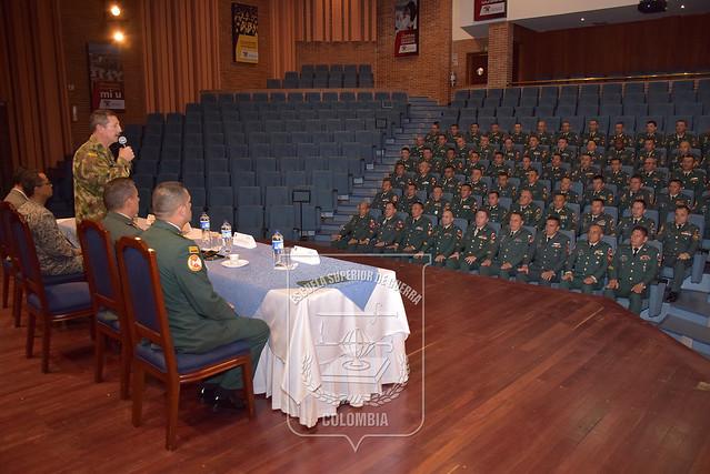 Futuros Sargentos Mayores de las Fuerzas Militares culminan Diplomado en Seguridad y Defensa Nacional