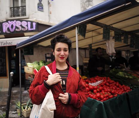 17e07 Marché d'Aligre el domingo de la elección anunciada de Emmanuel Macron_0026 variante Uti 465