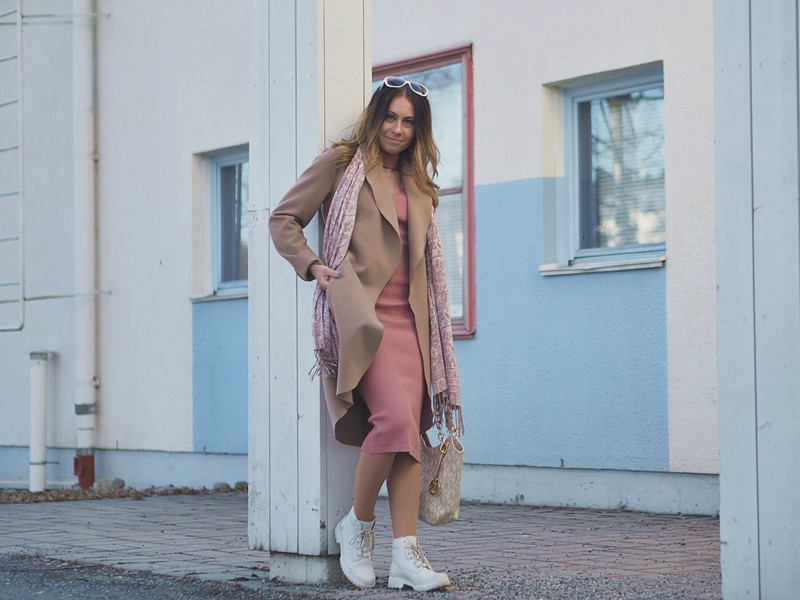 vila-coat-bershka-dress