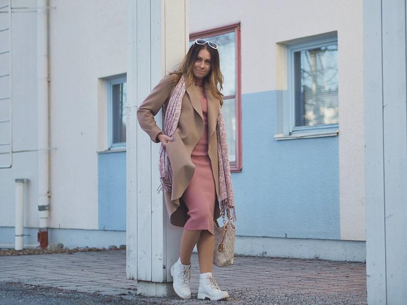 vila-coat-bershka-dress