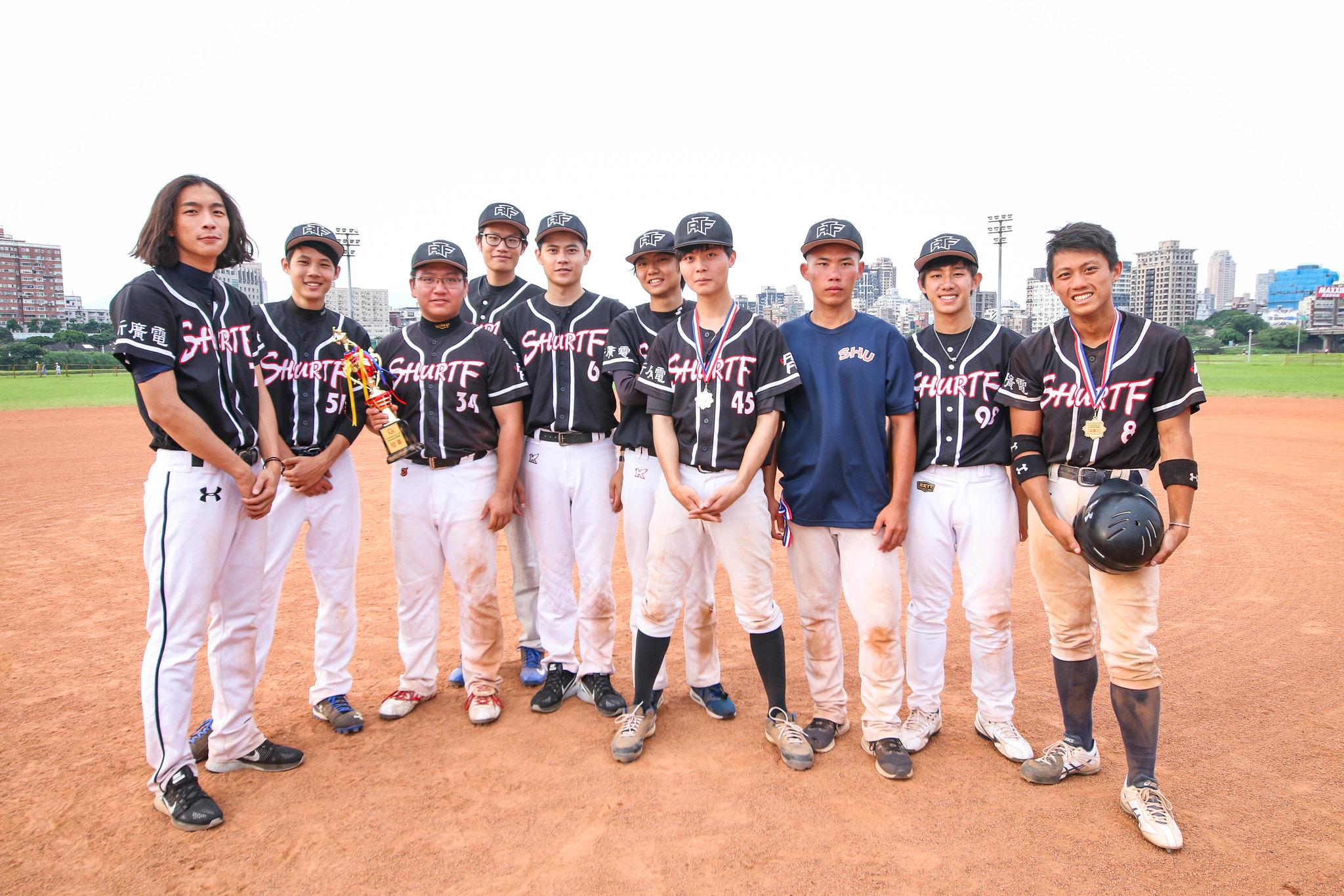 廣電系獲得105學年度棒球系際盃冠軍