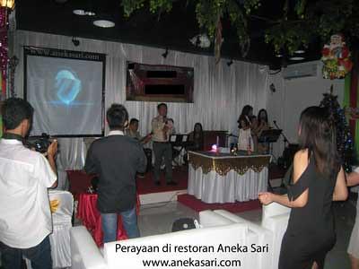 acara Hari Natal di restoran Aneka Sari