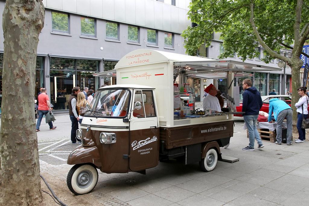 piaggio ape eiswagen mannheim piaggio ape eiswagen in man flickr. Black Bedroom Furniture Sets. Home Design Ideas