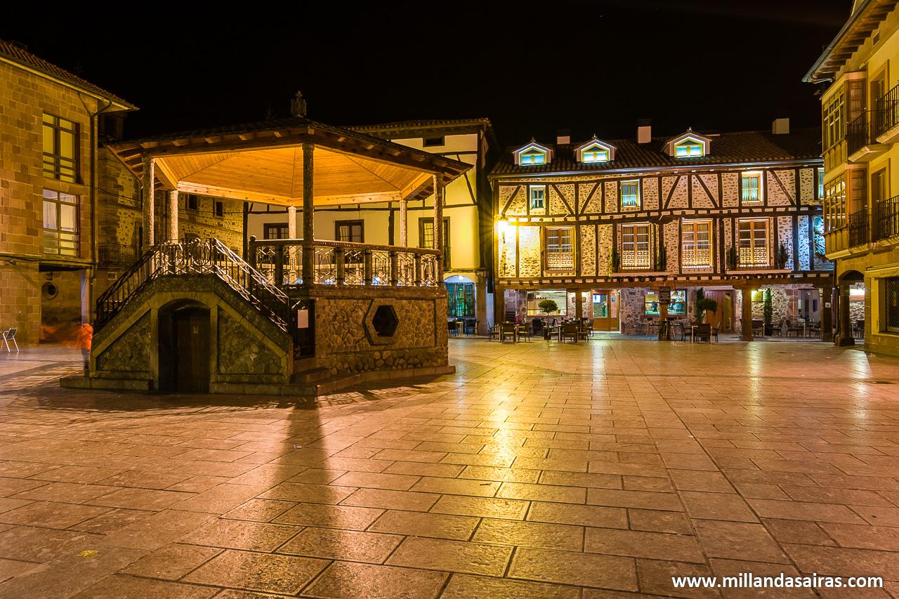 Plaza del Quiosco o del Conde de Torremuzquiz, en Ezcaray