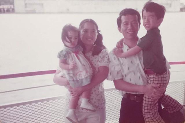In Loving Memory Of Wen Mo Chen Boris nikolaevich yeltsin (tiếng nga: in loving memory of wen mo chen