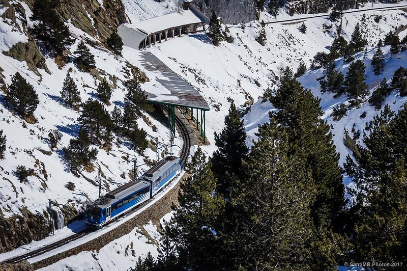 Tren cremallera de Núria en invierno