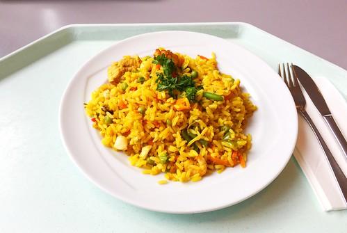 Paella - Spanish rice dish with seeafood , chicken & vegetables / Spanische Reispfanne mit Meeresfrüchten, Hühnerfleisch & Gemüse