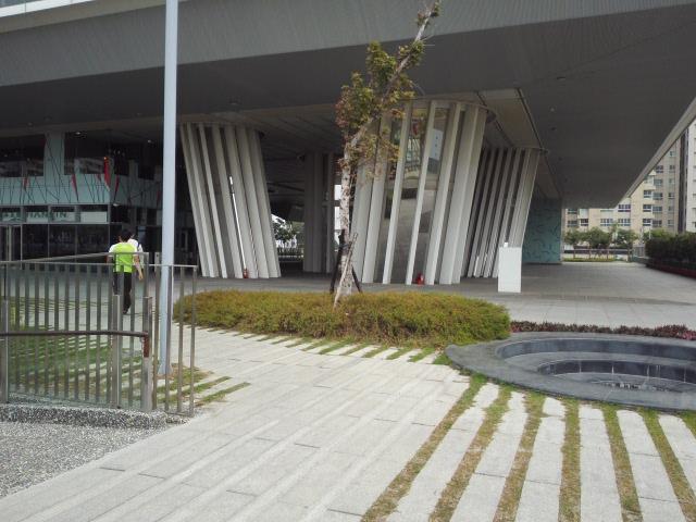高雄図書館新總館の裏口