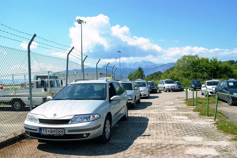 Такси в тиватском аэропорту