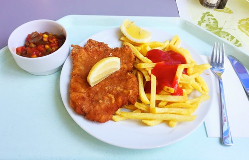 "Pork Escalope ""vienna style"" with french fries / Schweineschnitzel ""Wiener Art"" mit Pommes Frites"