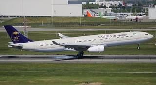 AIRBUS A330-300 SAUDI ARABIAN AIRLINES F-WWYC MSN1781 (HZ-AQ24) A L'AEROPORT TOULOUSE-BLAGNAC LE 21 04 17