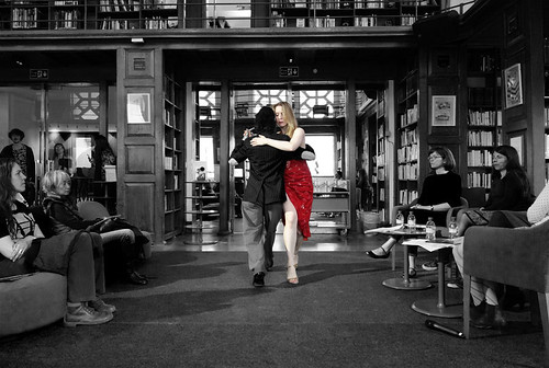Tango performance at the library | by brunodelara