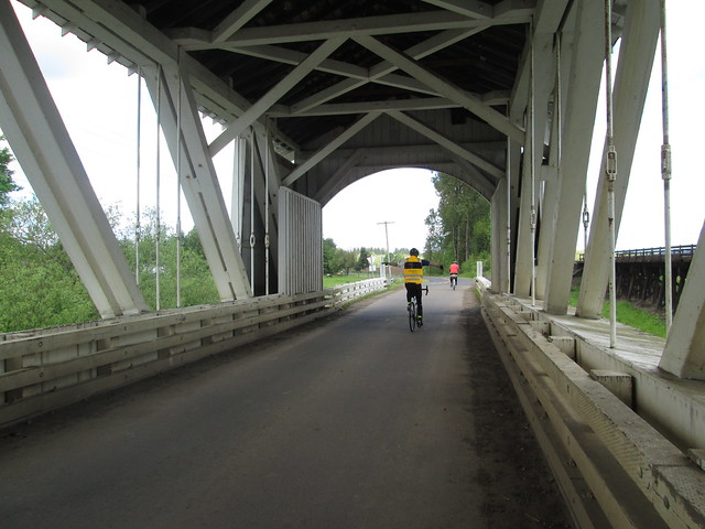 Kevin (no hands) and Ray, Gilkey Bridge