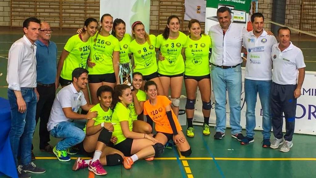 """El equipo Sénior del Club Voleibol Coria finalizo en la  quinta posición en  """"La Fase Final De Segunda División Nacional Femenina de Voleibol"""