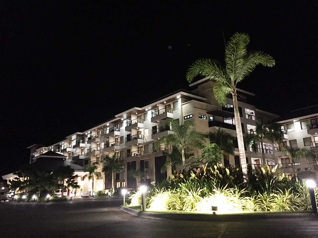 Henann Bohol at night