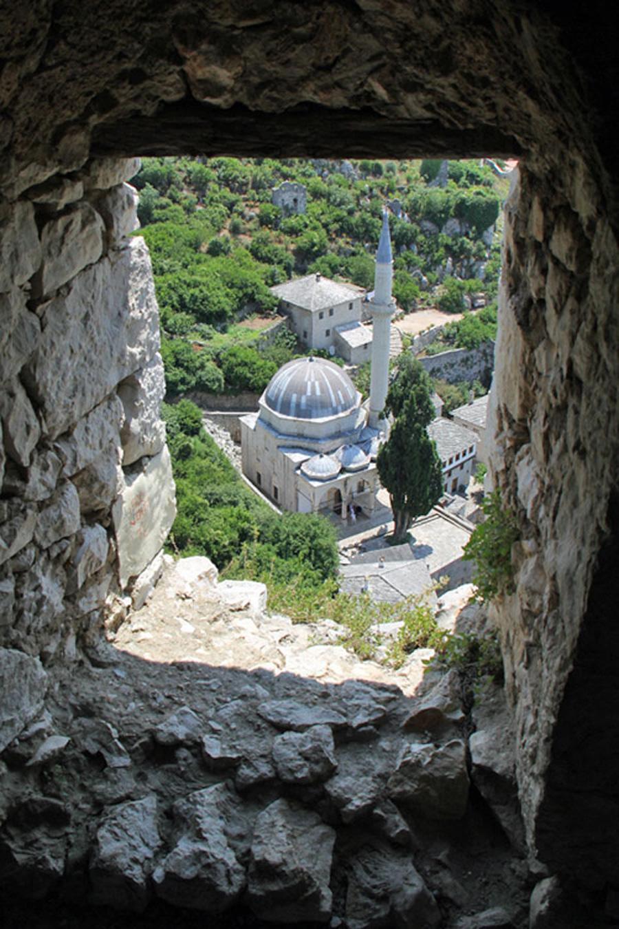 Mostar_moskeijaikkunasta_web