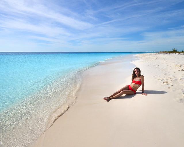 Playa Sirena, con sus aguas cristalinas y arena blanca