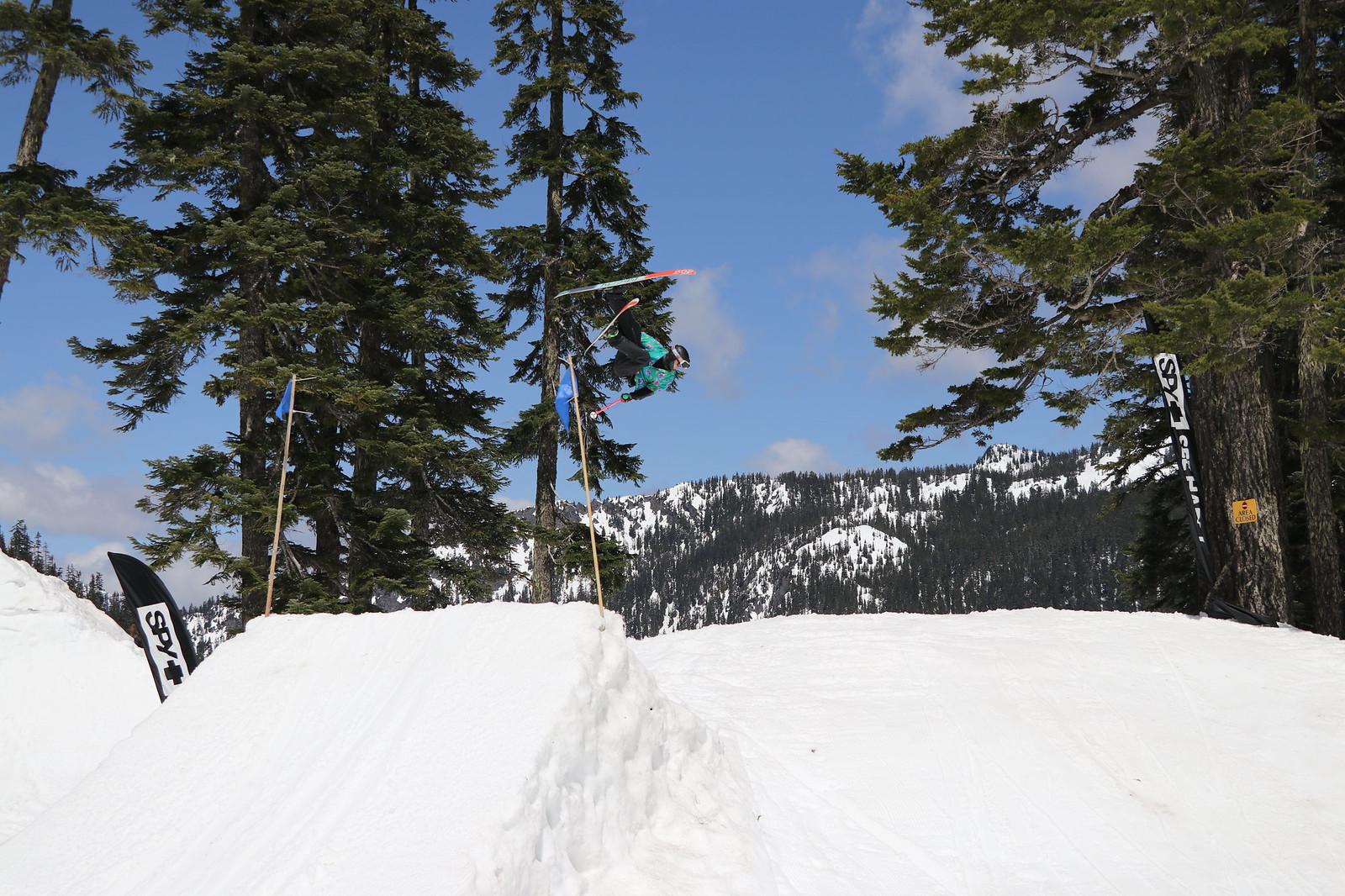 Skier flatspin
