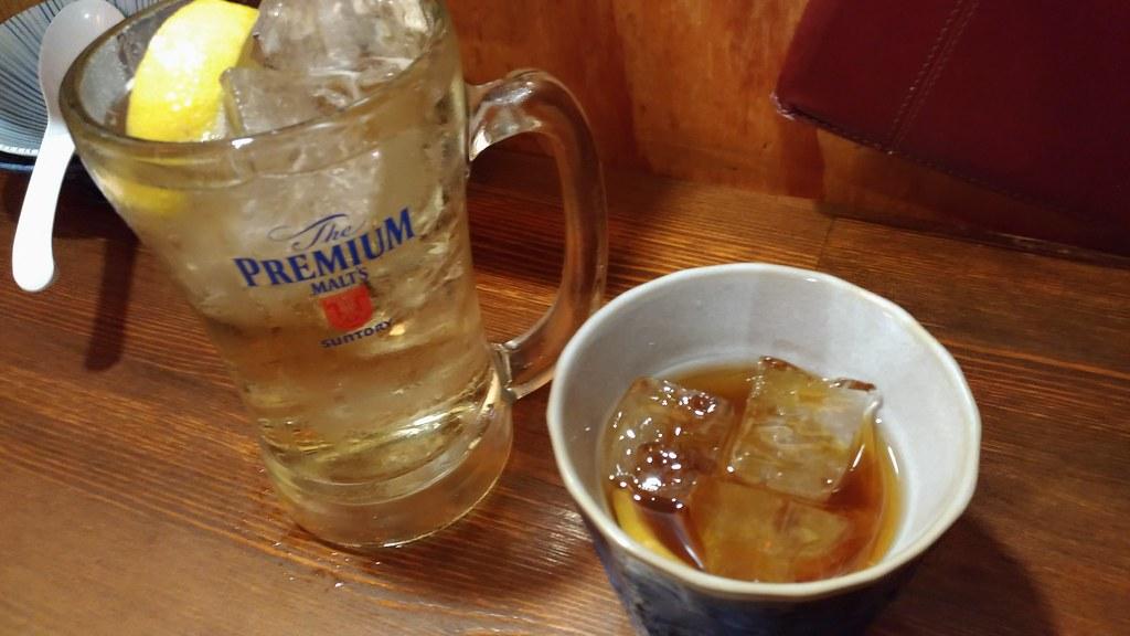 肉汁水餃子 餃包のハイボールと紹興酒