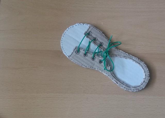 zapato cartón cardboard shoe