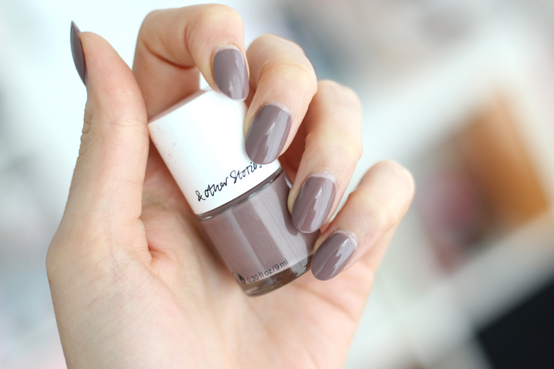 & Other Stories Borato Greige Nail Polish