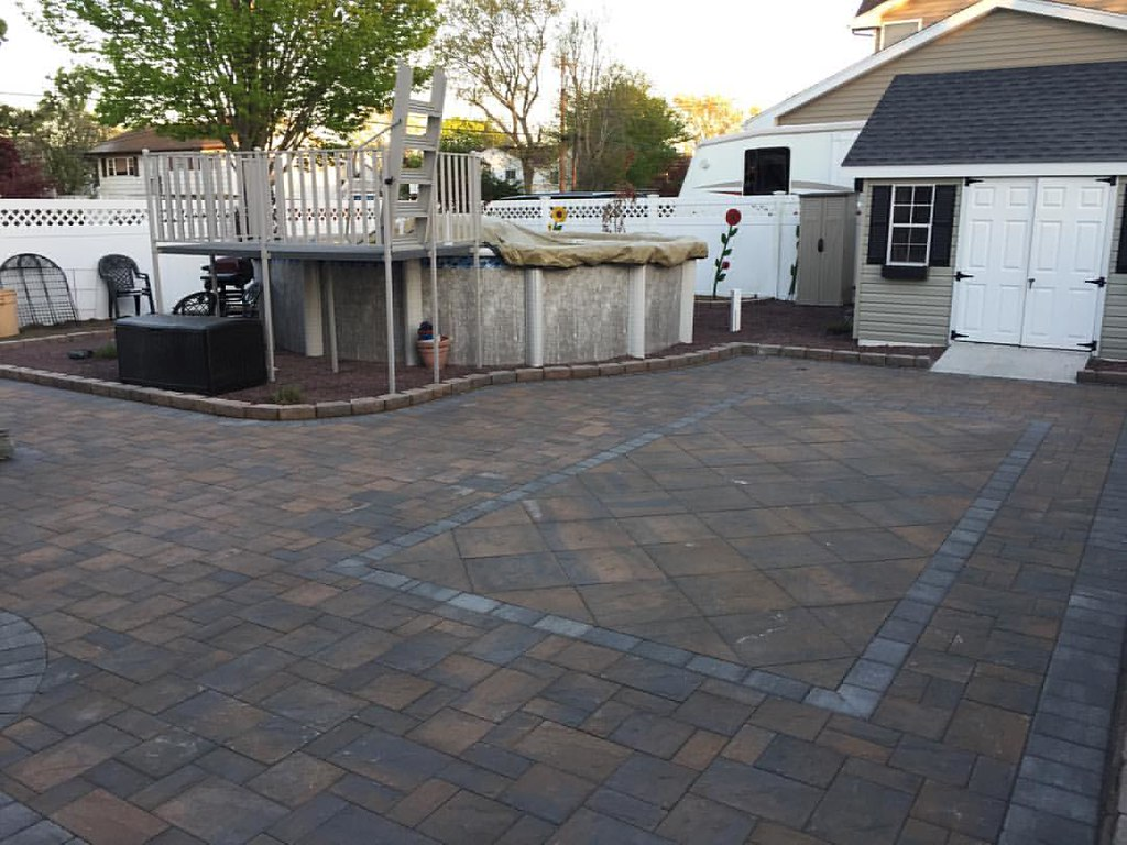 Toffee/Onyx Cambridge Paver Patio Is A Wrap, East Islip,NY 11730.  Toffee/Onyx