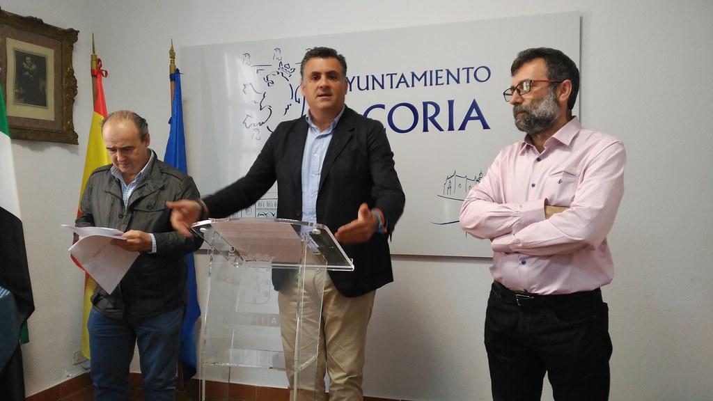 Ballestero insta a la Junta a que revierta el canon de saneamiento que pagan los vecinos de Coria para pagar el 25% de la depuradora del agua de la localidad
