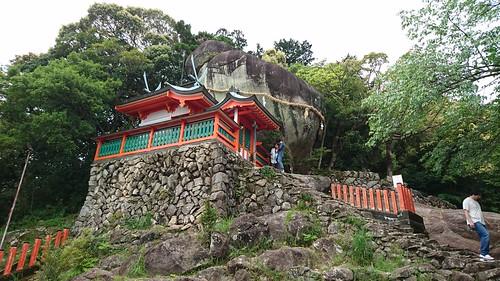 神倉神社・ゴトビキ岩