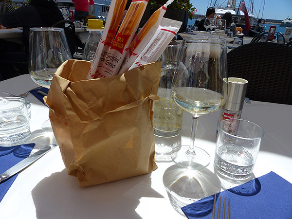 pain et vin blanc