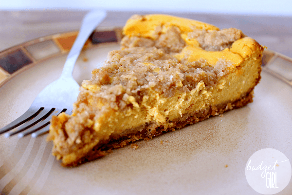 PUMPKIN CHEESECAKE WITH BROWN SUGAR CINNAMON STREUSEL