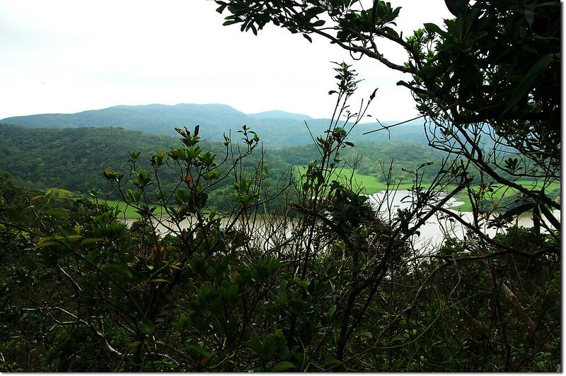魚蘭濫山山頂俯瞰南仁湖