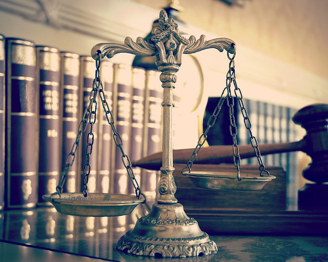 giustizia-bilancia-martelletto