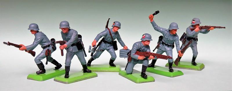 Toy soldiers, cowboys, indians, space men etc 34292647551_724a83a325_c