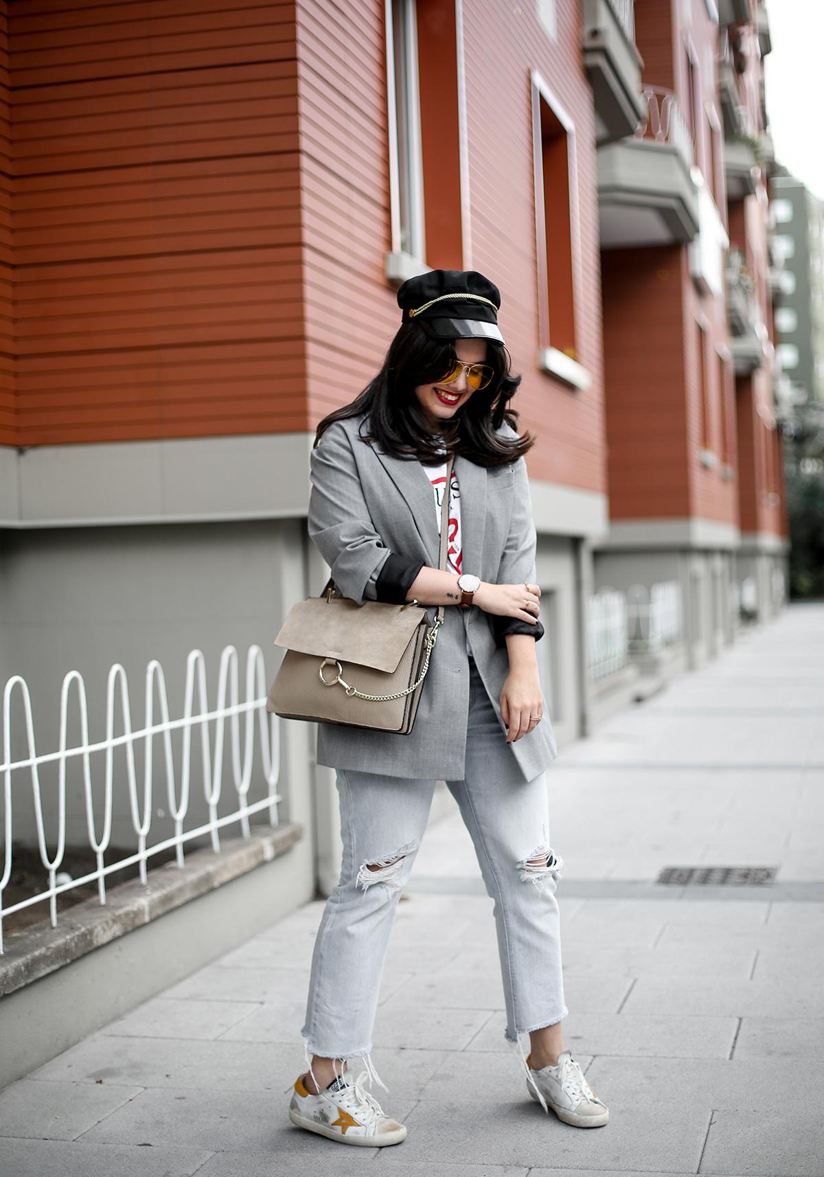 look-blazer-gris-levis-501-golden-goose-sneakers-myblueberrynightsblog8