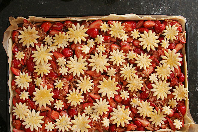 strawberry balsamic pie 3