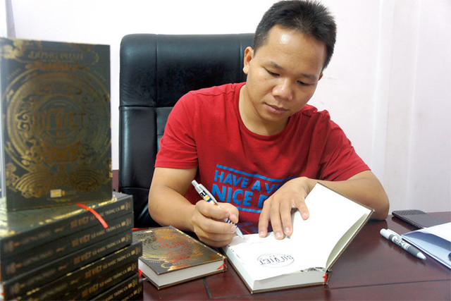 'Su Viet - 12 khuc trang ca': Mot huong tiep can lich su moi hinh anh 3