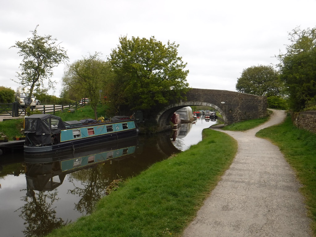 Leeds-Liverpool Canal 8