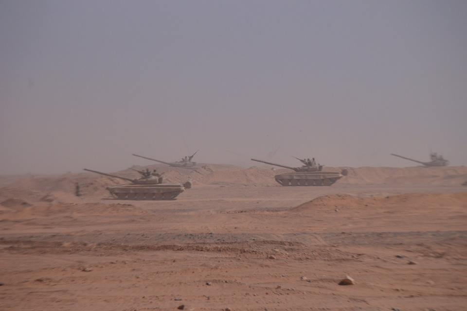 صور دبابات قتال رئيسية الجزائرية T-72M/M1/B/BK/AG/S ] Main Battle Tank Algerian ]   - صفحة 4 34659383852_3668f6709e_o