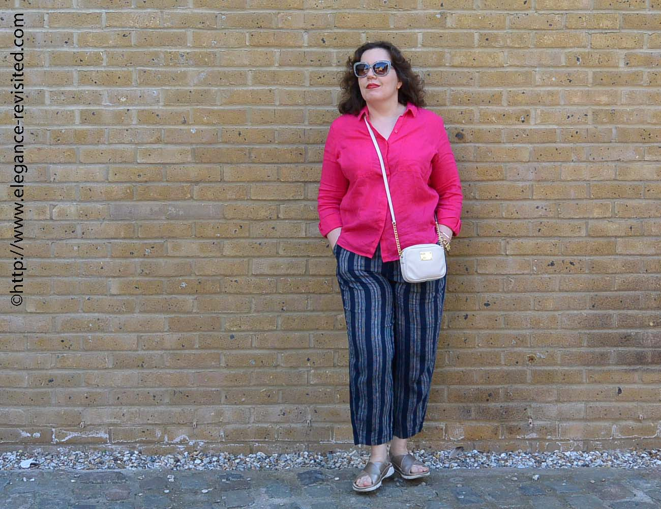 how to wear cropped pants over 40