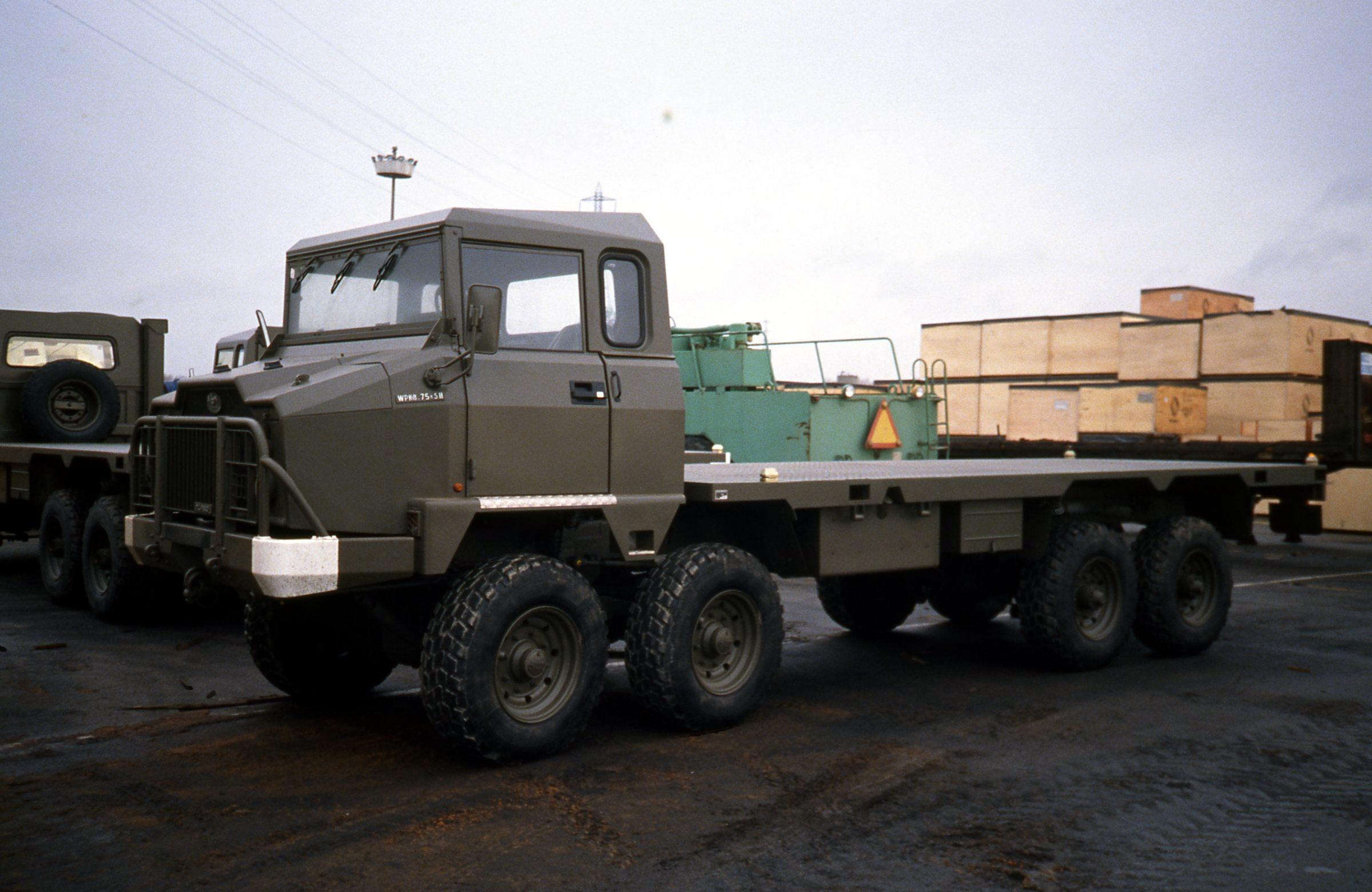 Photos - Logistique et Camions / Logistics and Trucks - Page 6 34096094803_b55a42e814_o