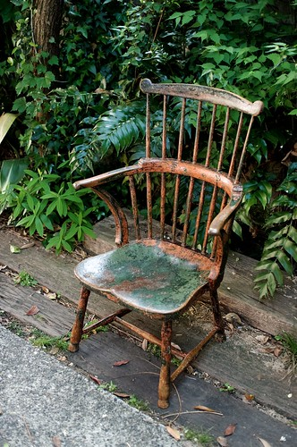 painted comb back windsor chair