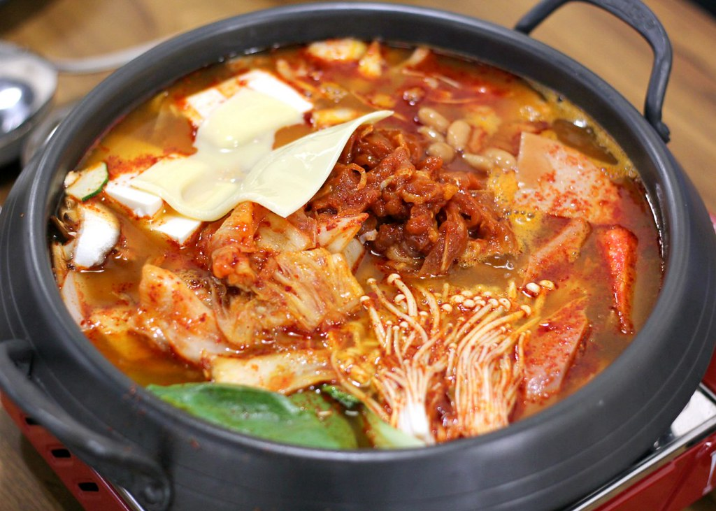 muk-bang-korean-restaurant-army-stew