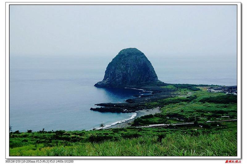 草原坡俯瞰饅頭岩
