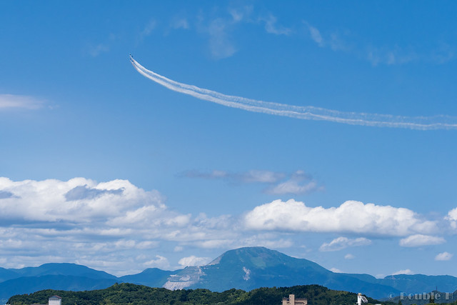 Blue Impulse's rehearsal flight for the 410th anniv. of Hikone Castle (28) Diamond 360 Turn