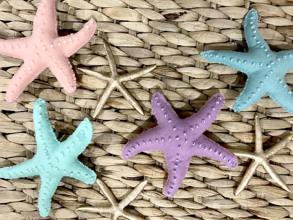 pin to present starfish and seahorses 8