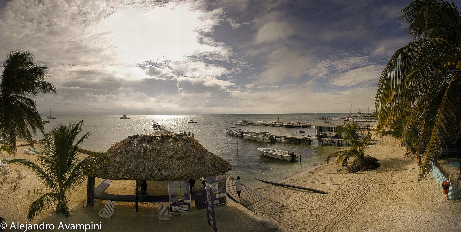 Atardecer en la Playa de Ambergris - Belice