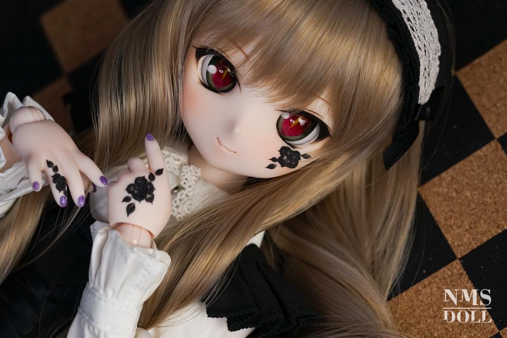 【Y!オク】5月28日終了*DDH01SWさんネイルハンド(黒バラ)