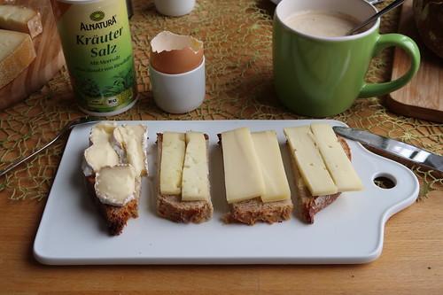 Petit Fleur,Temme de trois Lait, Grinkenschmied und Walchseer Rahmkäse auf Dinkel-Quark-Brot