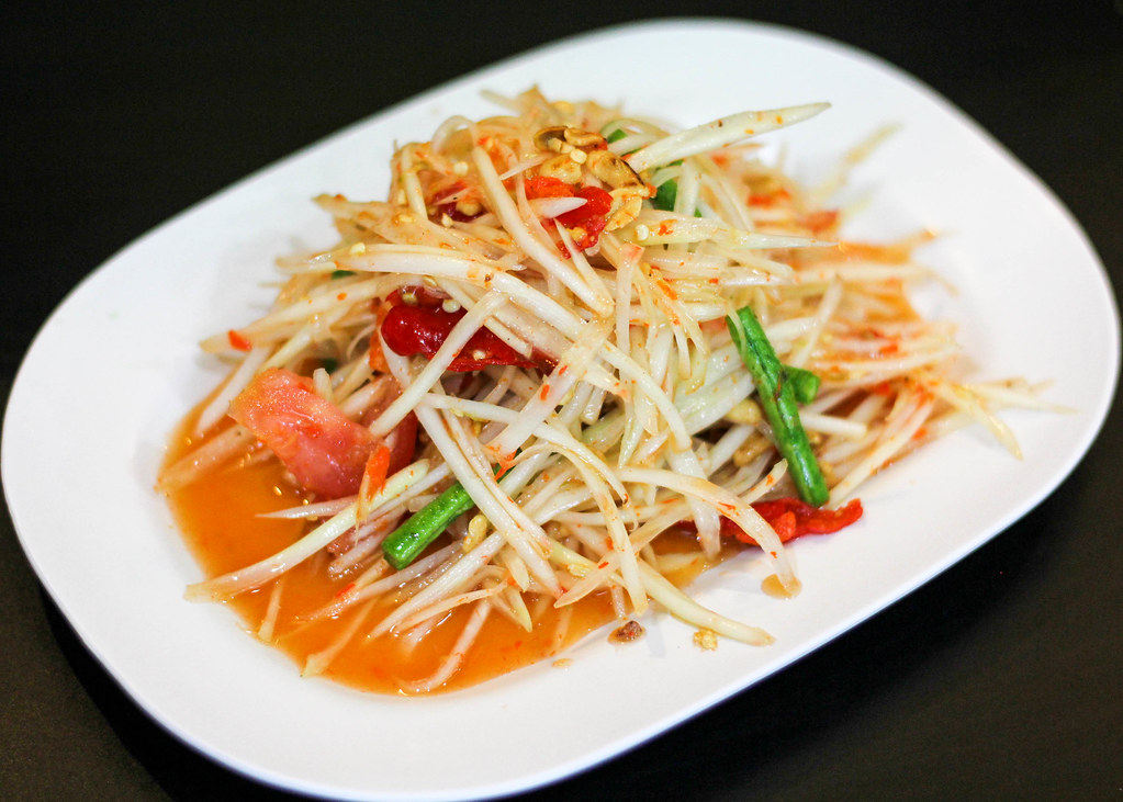 som-tam-suphasiri-papaya-salad