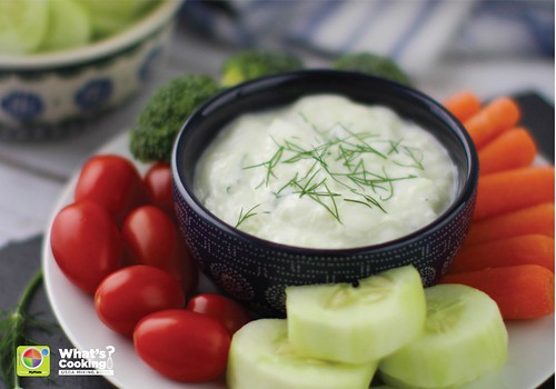 Vegetables with a cucumber yogurt dip made with lemon and dill